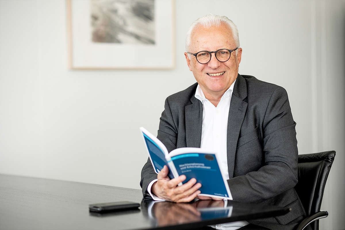 Andreas Hotz Lawyer Notary in Zug Baar